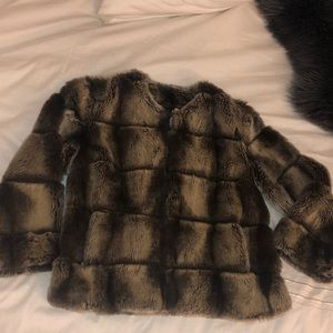 Express Cropped Faux Chinchilla Coat 💕